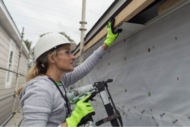 Habitat for Humanity Chicago Volunteer in Action